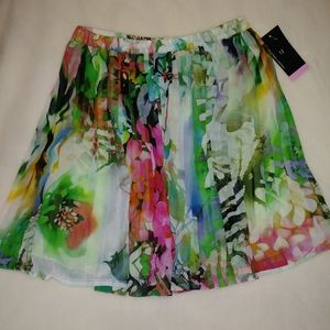 ALESSIA NWT girls size 12 . Pleated skirt